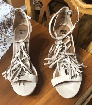 Beige wedge sandals with fringe size 6 for Sale in Lakeland, FL