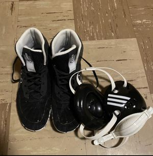 ASICS Men's Aggressor 4 Wrestling Shoes with HeadGear for Sale in Harrisburg, PA