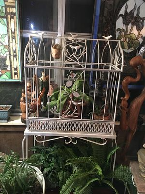 Lovely plant cage with stand for Sale in DeSoto, TX