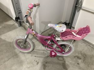 """Girls Princess Bike with Doll Seat 12"""" Wheels for Sale in Puyallup, WA"""