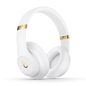 Beats Studio3 Wireless Noise Cancelling Headphones with Apple W1 Headphone Chip - White for Sale in Ypsilanti, MI