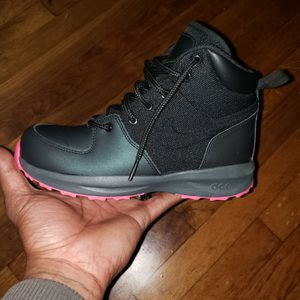 Nike Boots New for Sale in Atlanta, GA