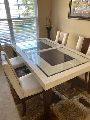 Dinning table for Sale in Nashville, TN