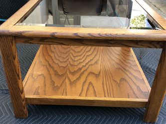 Small Coffee Table In Good Condition for Sale in Spring Valley,  CA