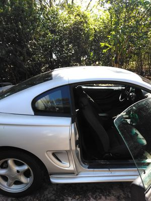 1998 Ford Mustang 2door coup it run really good I will also trade for old school cars and trucks for Sale in Macon, GA