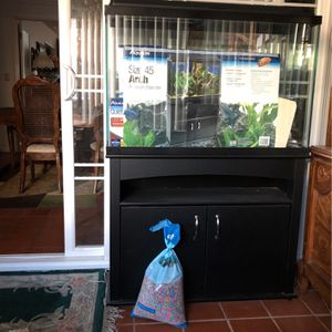 Arch Aquarium Size 45. Pretty much complete has filter siphon hose for cleaning rocks and some chemicals. Just needs water and fish ready to go inclu for Sale in Rancho Cucamonga, CA