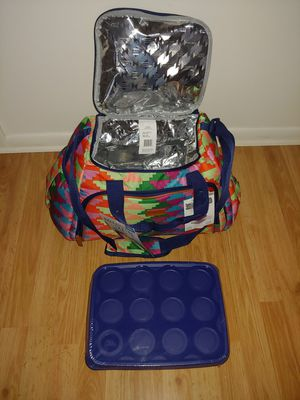 Insulated Beach duffle bag. With plastic containers for Sale in Virginia Beach, VA