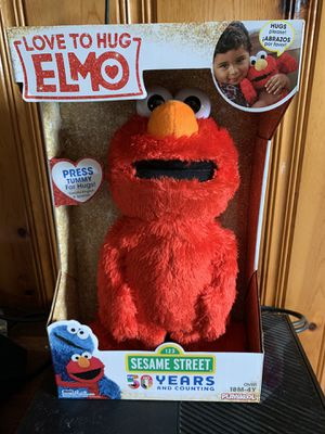 Love to hug ELMO for Sale in Martinsburg, WV
