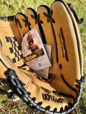 """Wilson A360 13"""" baseball glove for Sale in Chula Vista, CA"""