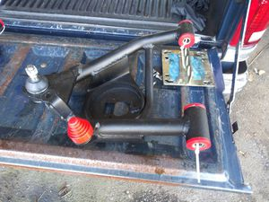 OBS CHEVY/ GMC C1500 DJM CONTROL ARMS for Sale in Tacoma, WA