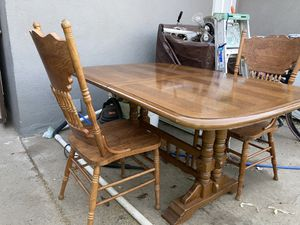 Sturdy Kitchen Table for Sale in Fresno, CA