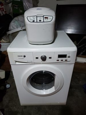 Washer/dryer combo and bread maker for Sale in Los Angeles, CA