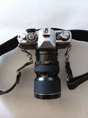 Minolta XG 7 35mm camera - zoom lens - XG7 Vintage SLR Camera for Sale in Peoria, AZ