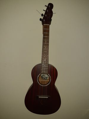 Fender acoustic/electric ukulele for Sale in Cape Coral, FL