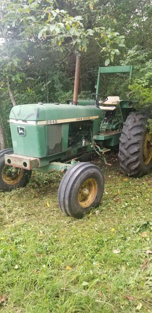 2840 John Deer tractor for Sale in Florissant, MO