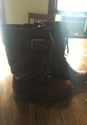 Brown timberlands size 8 for Sale in Cleveland, OH