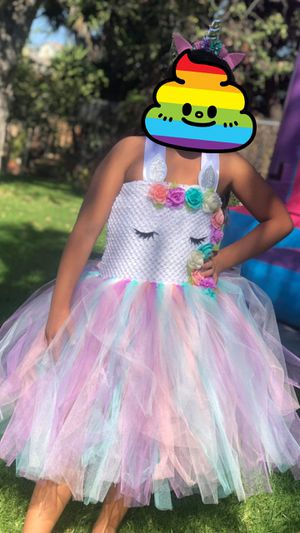 Beautiful Unicorn Dress 14/16 fits girl who usually wears size 10/12 $50 dress only worn for 30 minute for picture for Sale in Chula Vista, CA