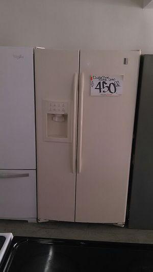 """30"""" GE refrigerator for Sale in Miami, FL"""