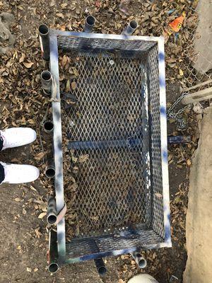 Canasta para la pesca for Sale in San Antonio, TX