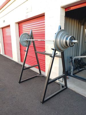 Squat rack, bar, bench and 255 lbs for Sale in Phoenix, AZ
