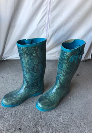 Rain boots size 7 for Sale in Chicago, IL