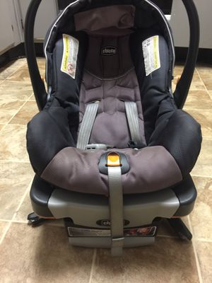 Chicco Keyfit 30 Car Seat With Base for Sale in Easley, SC
