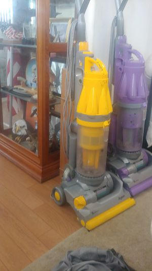 Dyson vacuum cleaner for Sale in Garden Grove, CA