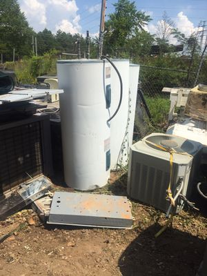 40 gallons hot water heaters for Sale in Charlotte, NC