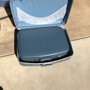 3 Blue Antique Suitcases All Fit Into One. for Sale in Fresno, CA