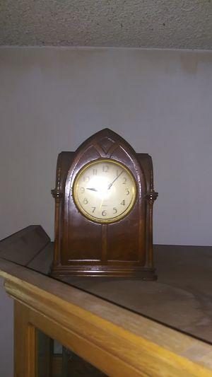 Antique clock for Sale in San Gabriel, CA