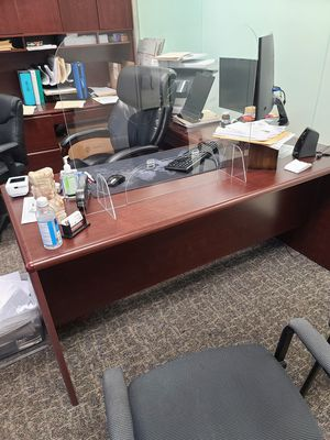 Free office furniture... available for pickup on Tuesday afternoo for Sale in Tampa, FL