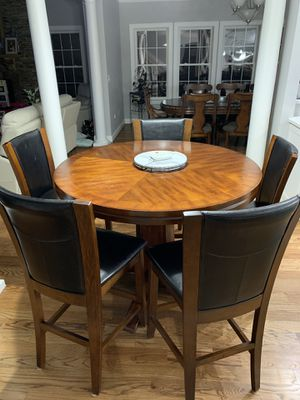 Table and 5 chairs for Sale in Nokesville, VA