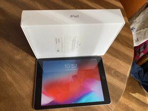 iPad 32 GB 6th Generation for Sale in Atlanta, GA