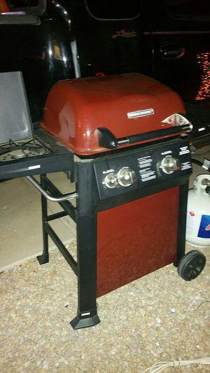Brinkmann dynoglow 2 burner like new for Sale in Mesa, AZ