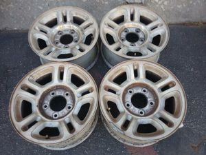 F150 16 inch alloy rims 5 on 135 97-03 expedition Navigator for Sale in Montebello, CA