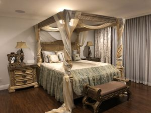Luxury bedroom furniture set MSRP $8,000 for Sale in Los Angeles, CA