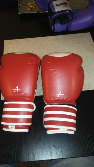 Boxing Gloves Fight Punch Bag Muay Thai Kickboxing MMA Sparring Mitts UFC 14 oz for Sale for sale  New York, NY