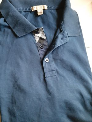 Burberry XL for Sale in Palm Desert, CA