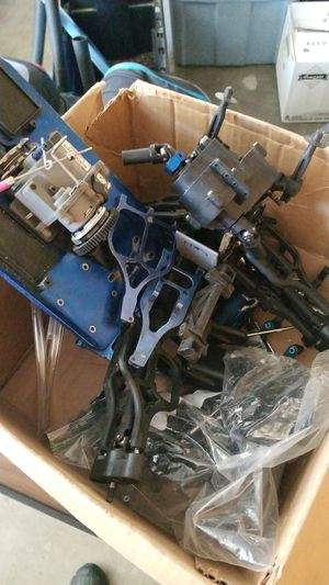 Miscellaneous traxxas rc parts tmaxx for Sale in Denver, CO
