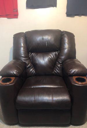 Reclining Chair for Sale in Silver Spring, MD