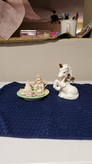 Precious Moments Collectors kit with unicorn for Sale in Peoria, AZ