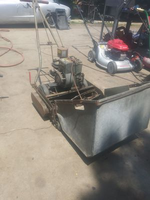 Lawnmower briggs and stratton front catcher in excellent conditions for Sale in South Gate, CA