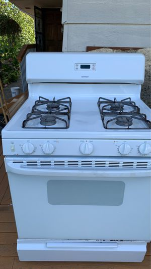 Gas range for Sale in Tacoma, WA