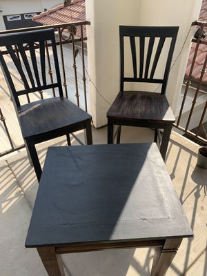 2 wood stools and a table $15 each for Sale in Fresno, CA
