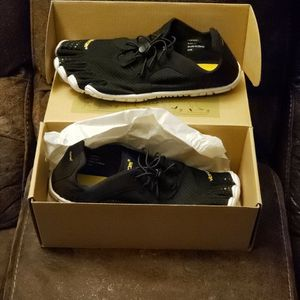 VIBRAMS! EU 38 US 7.5/8 for Sale in Milwaukie, OR