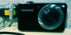 Samsung DualView TL205 digital camera for Sale in Oklahoma City, OK