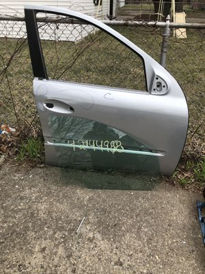 2006 Mercedes Benz Passenger Side Door. for Sale in Redford Charter Township, MI