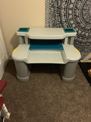 Kids desk for Sale in CTRY CLB HGTS, IN