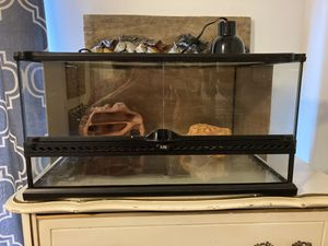 Exo terra terrarium for Sale in Lawrenceville, GA