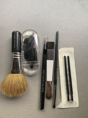 Makeup brushes for Sale in Spring Valley, CA
